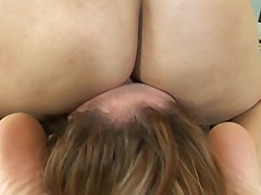 Lezz facecrushing under ass and pussy 2 end