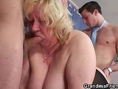 Granny gives double blowjob and gets doggystyle fucked