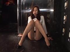 UPSKIRT TEASERS - THE SEXY USHER