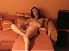 Junger Boy macht es mir geil auf dem Sofa by snahbrandy