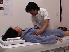 A lewd madam requests sex in the middle of the massage part3