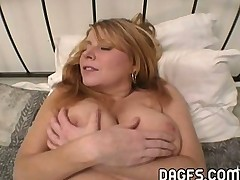 Milf gets her asshole stretched