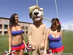 Cheerleaders Sucking The Mascot!