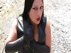 Busty Emo Women Gives Blowjob