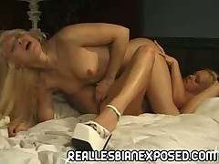 Pussy luvin Lesbian blonde