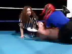 Horny Midget Wrestling Gets Blowjob