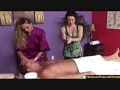 Rayveness And Amanda Blow - Amanda Blow And Rayveness Start A Relaxing Massage That Turns Into A Hot