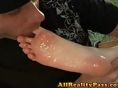 Scarlett Faye - Bare Foot Maniacs - Sexy Scarlett Gives Good Foot
