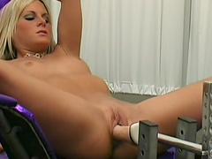 Blonde Courtney Simpson masturbates her puss