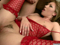 Small-titted babe Donna Bell gives a hot blowjob