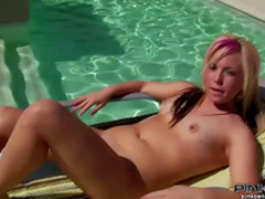 Chubby blonde fuck herself with dildo