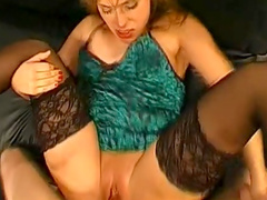 Blonde opens her throat in front sperm