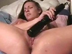 Sexy Tori Secrets masturbates and squirts