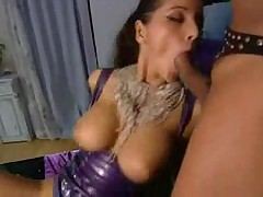 Arousing rubber and leather threesome