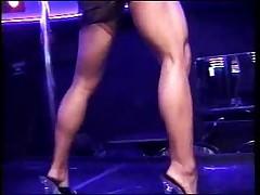 Luna - Muscular and Flexible Dancer